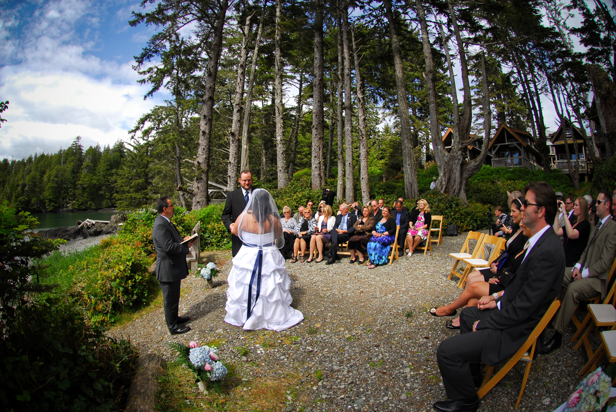 Douglas Ludwig_Ucluelet Wedding at The Cabins